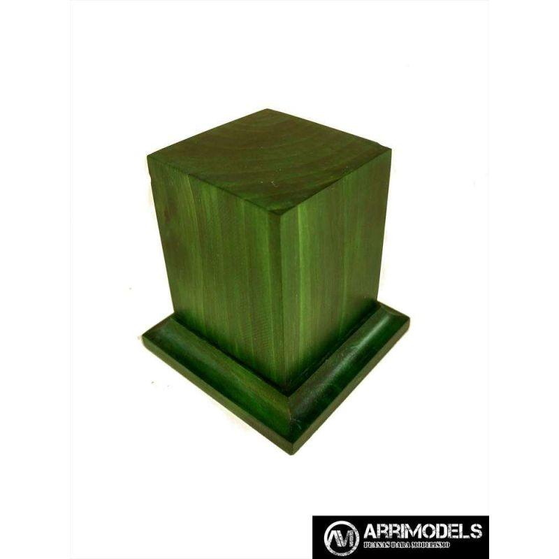 PEANA PEDESTAL MADERA ACABADO EN VERDE 4x4x6